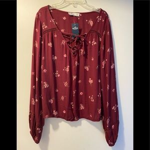 New Hollister peasant top large